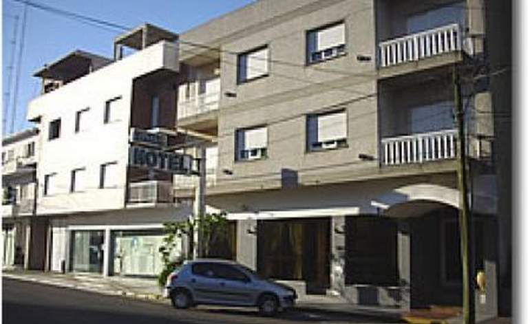 Hotel Ezpeleta - Santa teresita partido de la costa / Buenos aires