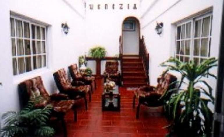 Hotel Venezia Mar del Tuyu