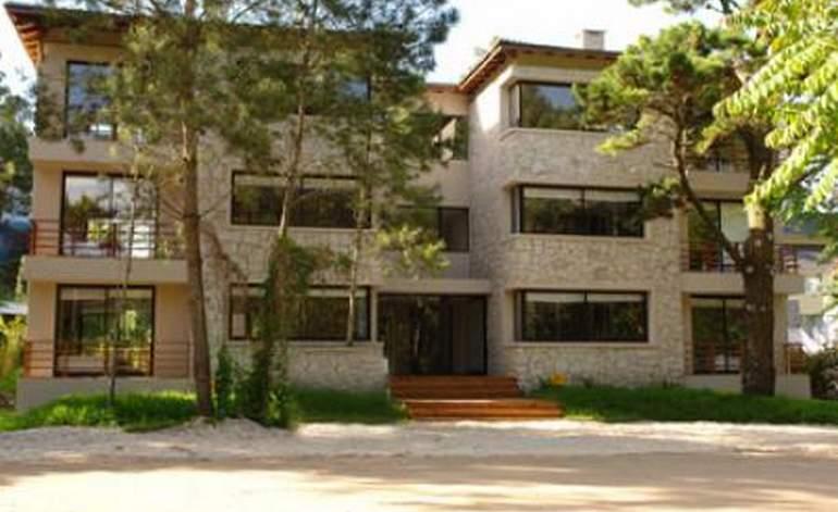 Piedras Blancas - Apart hoteles 3 estrellas / Carilo