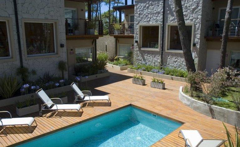 Bosque De Ciruelos - Apart hoteles 3 estrellas / Carilo