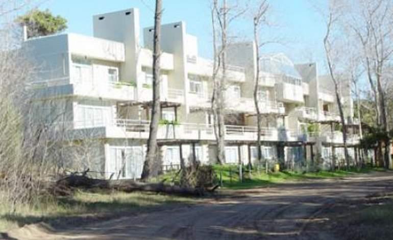 Terrazas De Carilo - Apart hoteles 4 estrellas / Carilo