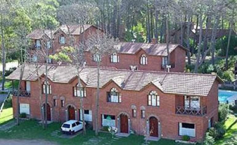 Carilo House - Apart hoteles 4 estrellas / Carilo