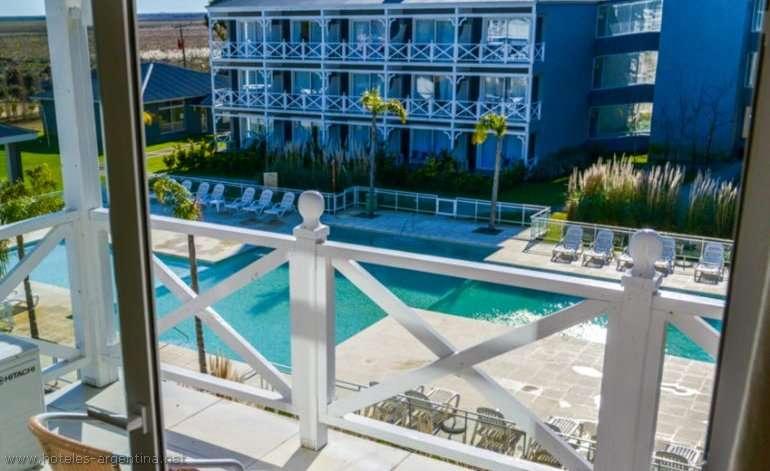 Hotel howard johnson  and convention center madariaga