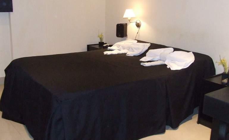 Hoteles 2 Estrellas Hotel Del Parque - El banado / Tucuman