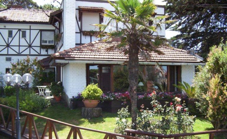 Actinia - Hosterias / Villa gesell