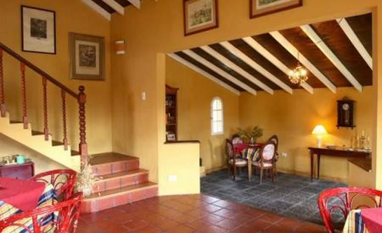 Camelot - Hosterias / Villa gesell