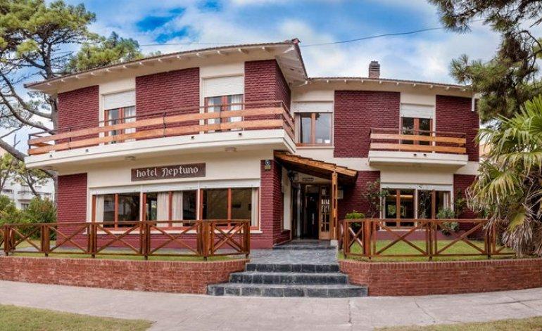 Neptuno - Hoteles 1 estrella / Villa gesell