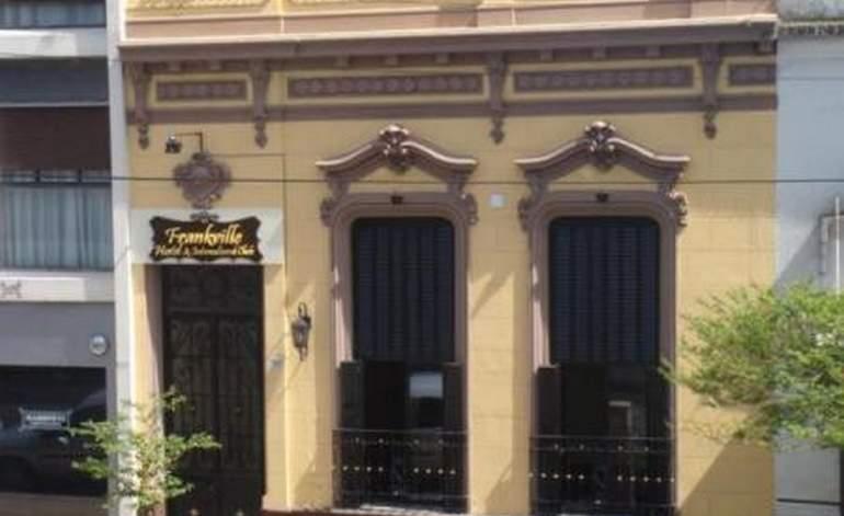 Frankville Hostel E Intercultural Club - Albergues hostels / La plata