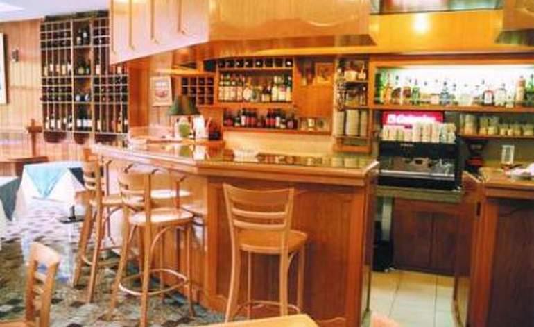 Hotel Argentino - Hoteles 3 estrellas / La plata