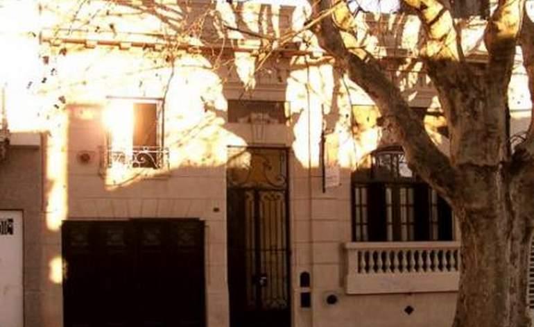 La Plata Hostel - Albergues hostels / La plata