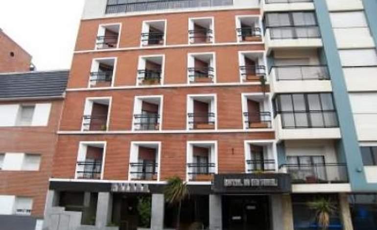 Hotel 10 De Abril Gremio FATAGA - Microcentro / Mar del plata