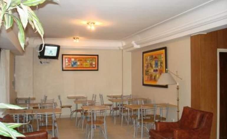Hotel Aquilano - Terminal de omnibus / Mar del plata
