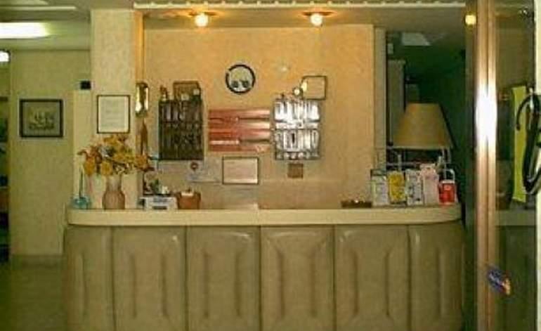 Hotel Virrey - Terminal de omnibus / Mar del plata
