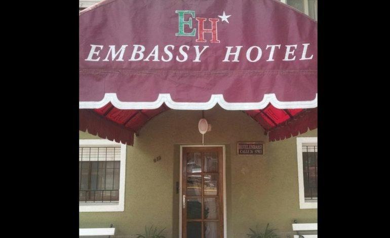 Embassy Hotel - Hoteles / Miramar
