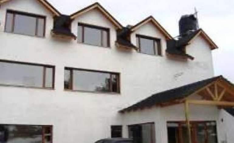 Hoteles 2 Estrellas Hotel Peninsula De Los Coihues - Villa pehuenia / Neuquen