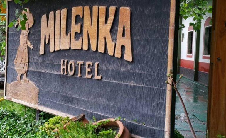 Hoteles 1 Estrella Hotel Milenka - Rincon de los sauces / Neuquen