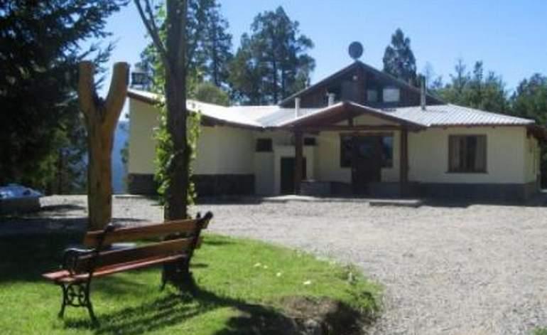 Hostel Altos Del Sur - El bolson villa lago puelo / Rio negro