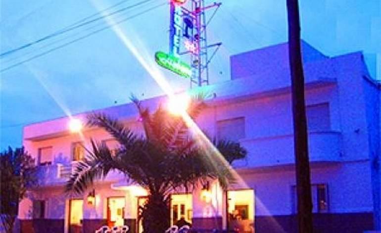 Hoteles 2 Estrellas Hotel Gran Habana - Santiago del estero capital / Santiago del estero