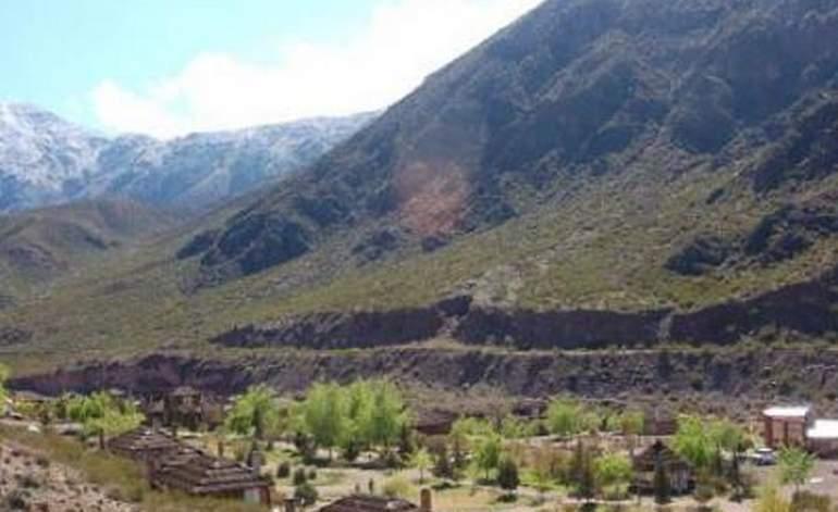 Cabañas  Pueblo del Rio y Spa de Montana