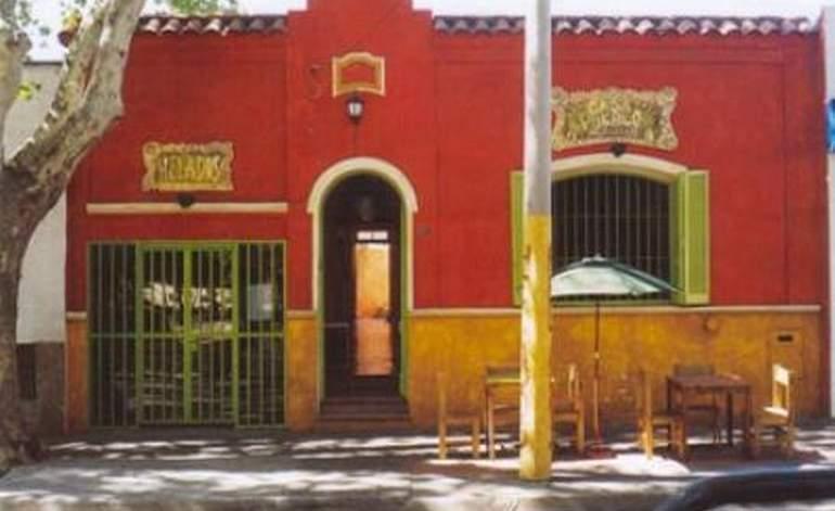 Albergues Hostels Casa Pueblo Hostel - Guaymallen / Mendoza
