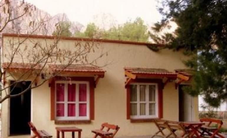 Complejo Aitue - Complejos turisticos / Mendoza