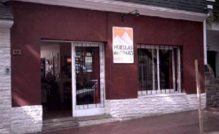 Huellas Andinas Hostel - Ciudad de mendoza / Mendoza