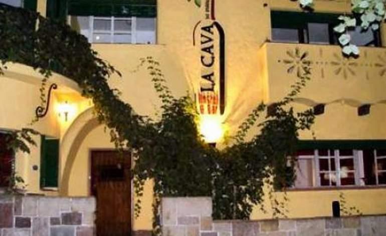 La Cava Hostel - Albergues hostels / Mendoza